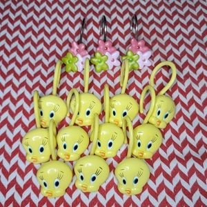 VINTAGE Looney Toones Tweetie Bird Shower Hooks